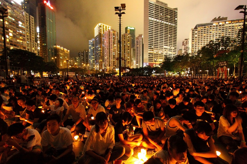Gedenkveranstaltung für Tiananmen-Opfer in Hongkong. Foto: Jess Yu / Shutterstock.com